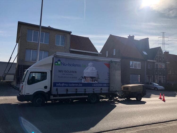 Realisatie 187m EPS Isomo Pearls spouwmuurisolatie te Sint-Niklaas