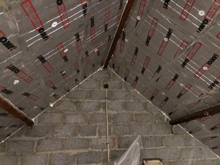 Realisatie 49m² dakisolatie - 10 cm pir isolatie te Wetteren