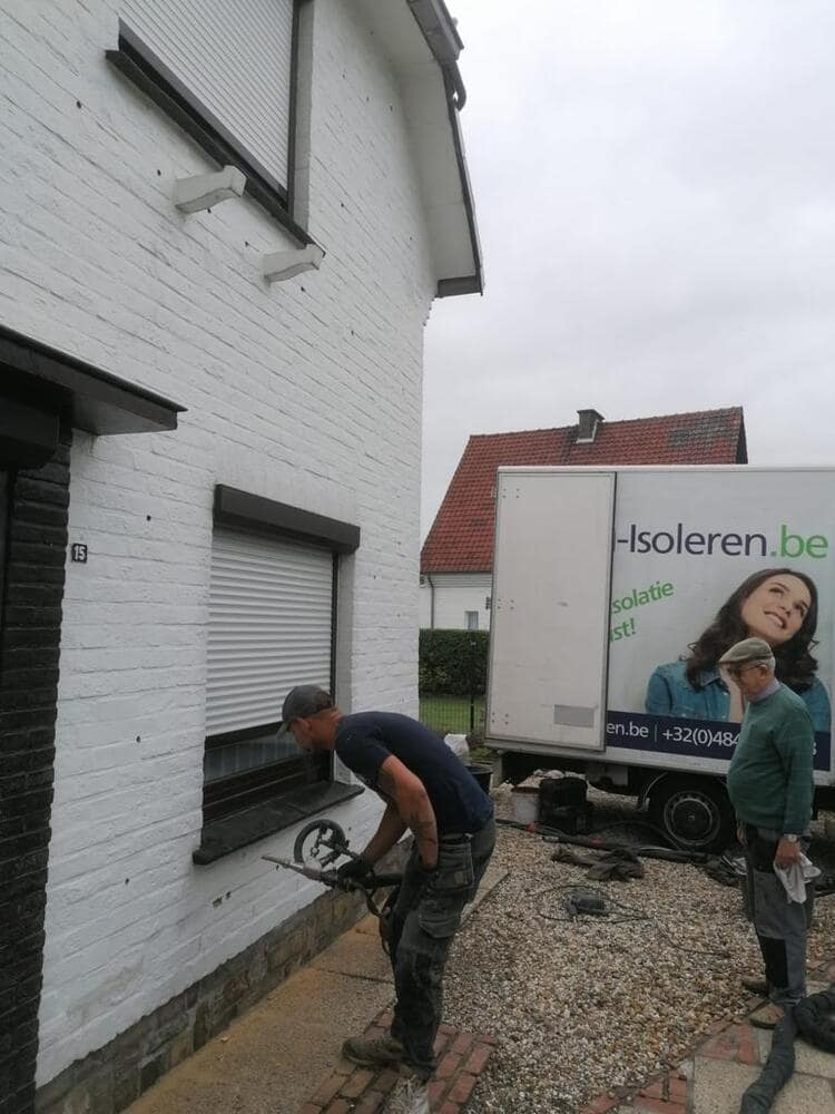 Realisatie 280m EPS Isomo Pearls spouwmuurisolatie te Denderleeuw