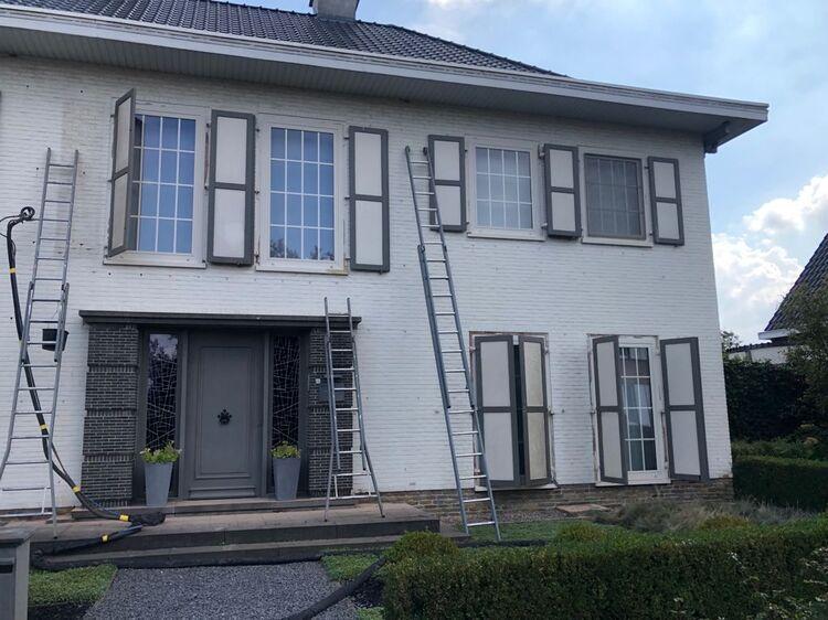 Realisatie 220m EPS Isomo Pearls spouwmuurisolatie te Sint-Niklaas