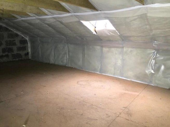 Realisatie 85m² dakisolatie - Ursa glaswol met dampscherm te Wenduine